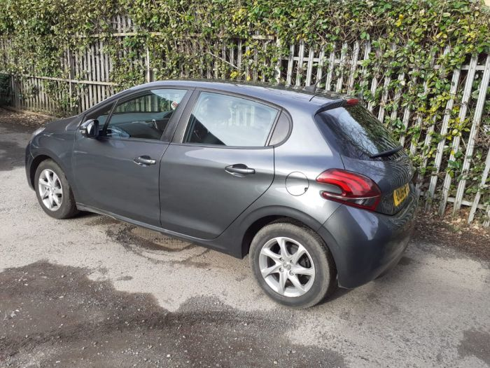 Peugeot 208 1.6 BlueHDi Active 5dr Hatchback Diesel Grey